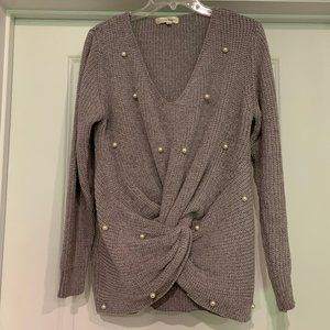 NWOT Simply Couture Twist Front Sweater